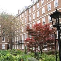 Régi lovagok, mai jogászok: Temple Gardens, London