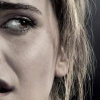 Ethan Hawke és Emma Watson egy pofásnak tűnő thrillerben