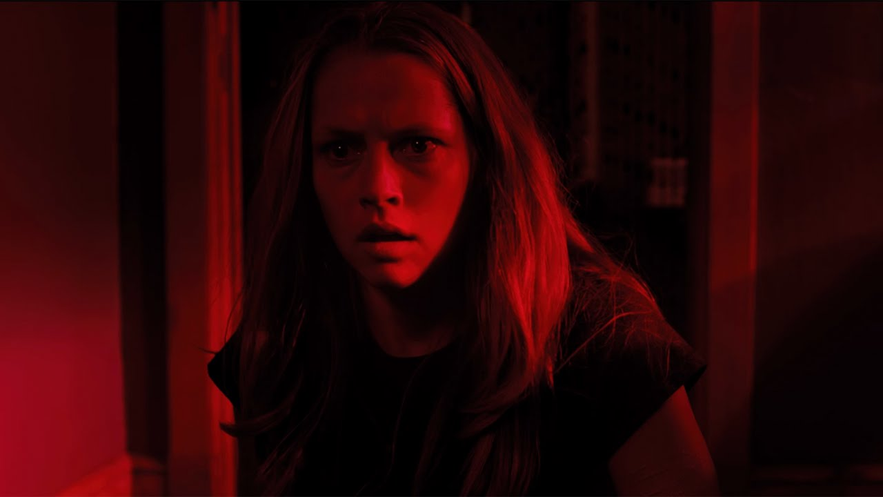 lights-out-movie-teresa-palmer.jpg