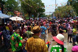A templomoktól a habparty-ig - második napom Bangkokban
