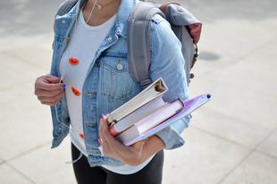 Gyakorlatiasság, diákközpontúság és kreativitás – miért jobb egy angol egyetemen tanulni?