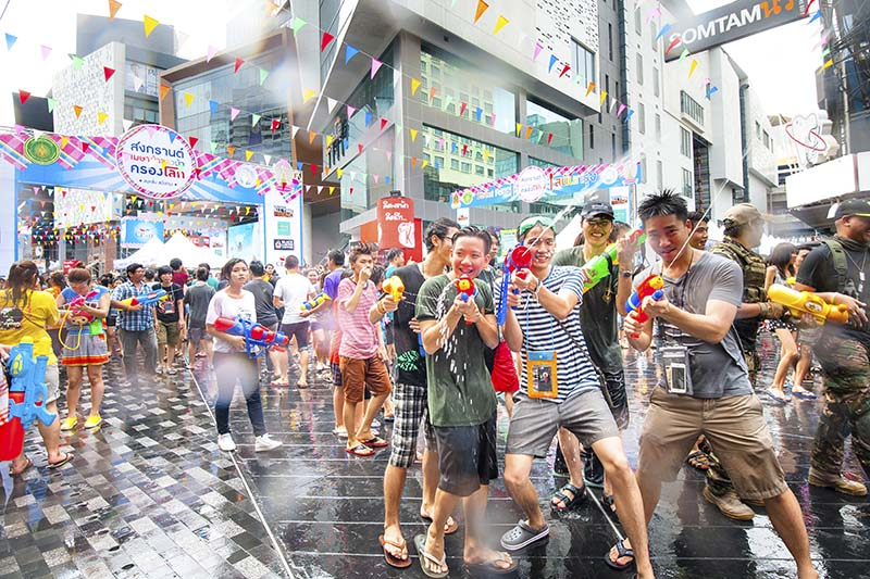 77_festival-songkran-bangkok-siam-tm.jpg