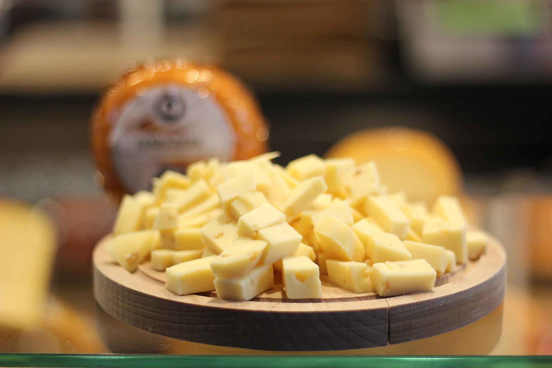 cheese-2696731_1920.jpg
