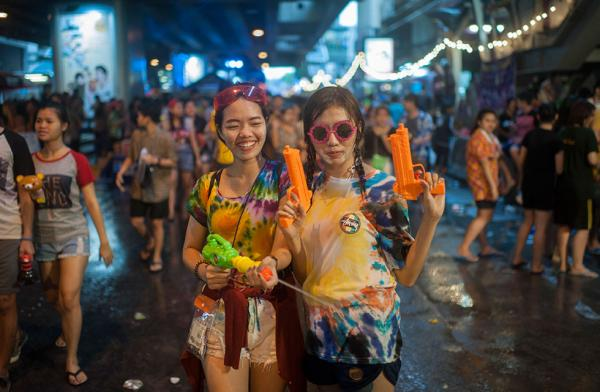 if-you-have-not-been-to-songkran-heres-why-you-must-do-it-this-2018-world-of-buzz-4.jpg