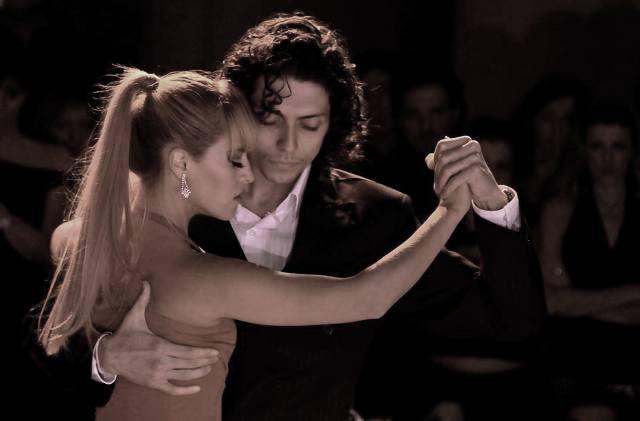 tango_344_1.jpg