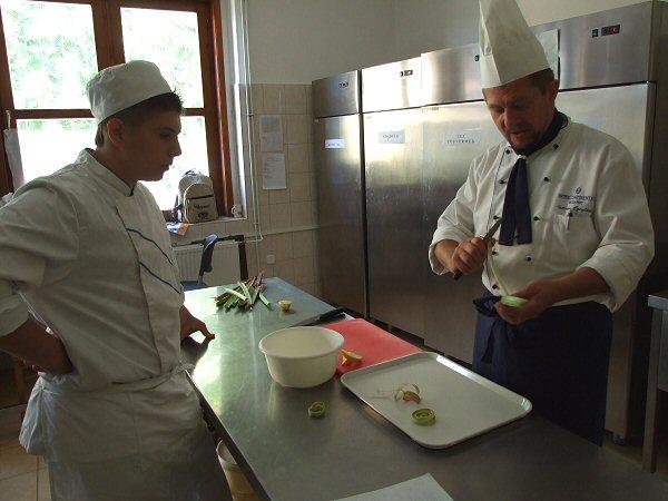 Rebarbara kompót máktortával Zsámbék Szakiskola szakács