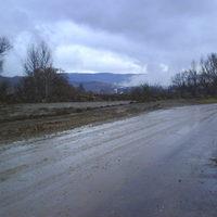 Hó nélkül is csúszik az út Tardona végén
