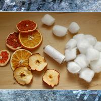 Narancsos hópehelyfüzér