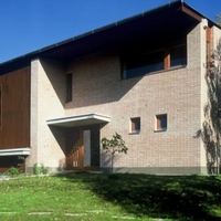 Három ház Pilisborosjenőn