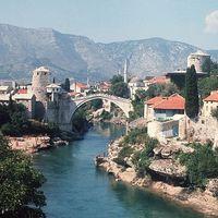 Mostar, az Öreg híd újjáépítése