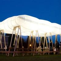 Fel, hő: felfújódó piknik-tető
