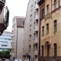 Nagyvárosi lakóház - (Berlinben és) Budapesten, 1984