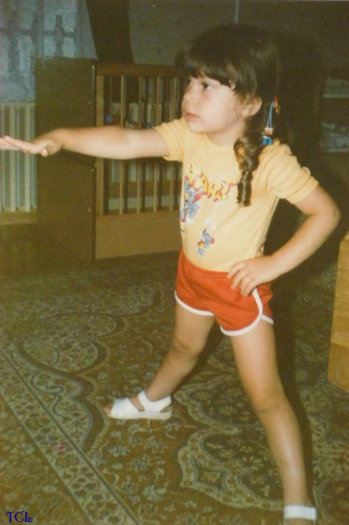Keményen nyomtam a TV Tornára (azóta már magam is aerobik sportoktató vagyok) – ajánlom figyelmetekbe a ruházatot és a kiegészítőket, amelyek hűen tükrözik a 80-as évek divatját