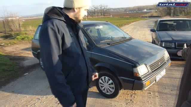 fogott ad szopást autóban