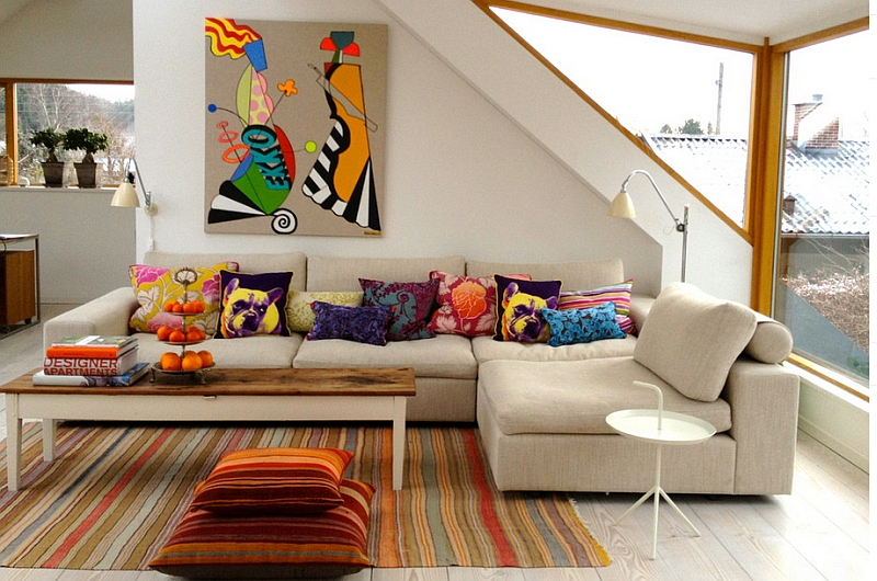 bccb5_a-cozy-sofa-filled-with-accent-pillows.jpg
