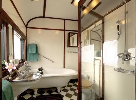 carriage-rovos-royal-bathroom-sm.jpg