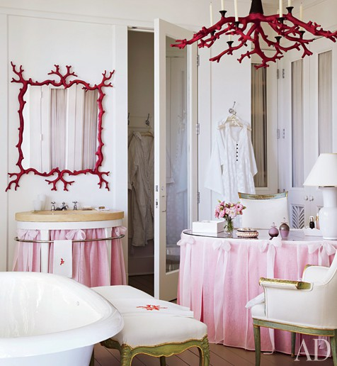 pink_and_red_bathroom_with_red_coral_chandelier.jpg