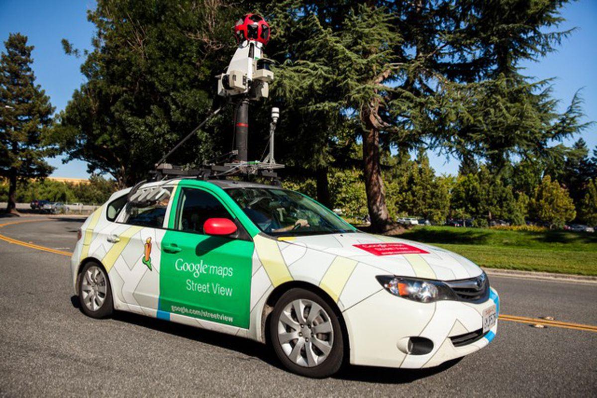 Újra a magyar utakon a Google autók