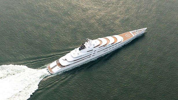 azzam-yacht-top-view.jpg
