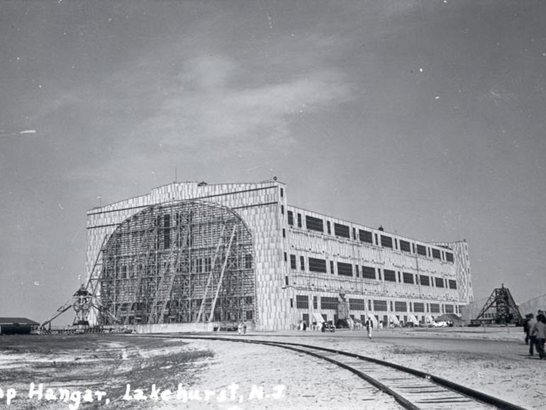 hangár3.jpg
