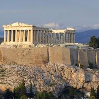 Athénba utaznál? Íme, 10 kihagyhatatlan úti tipp a görög fővárosban