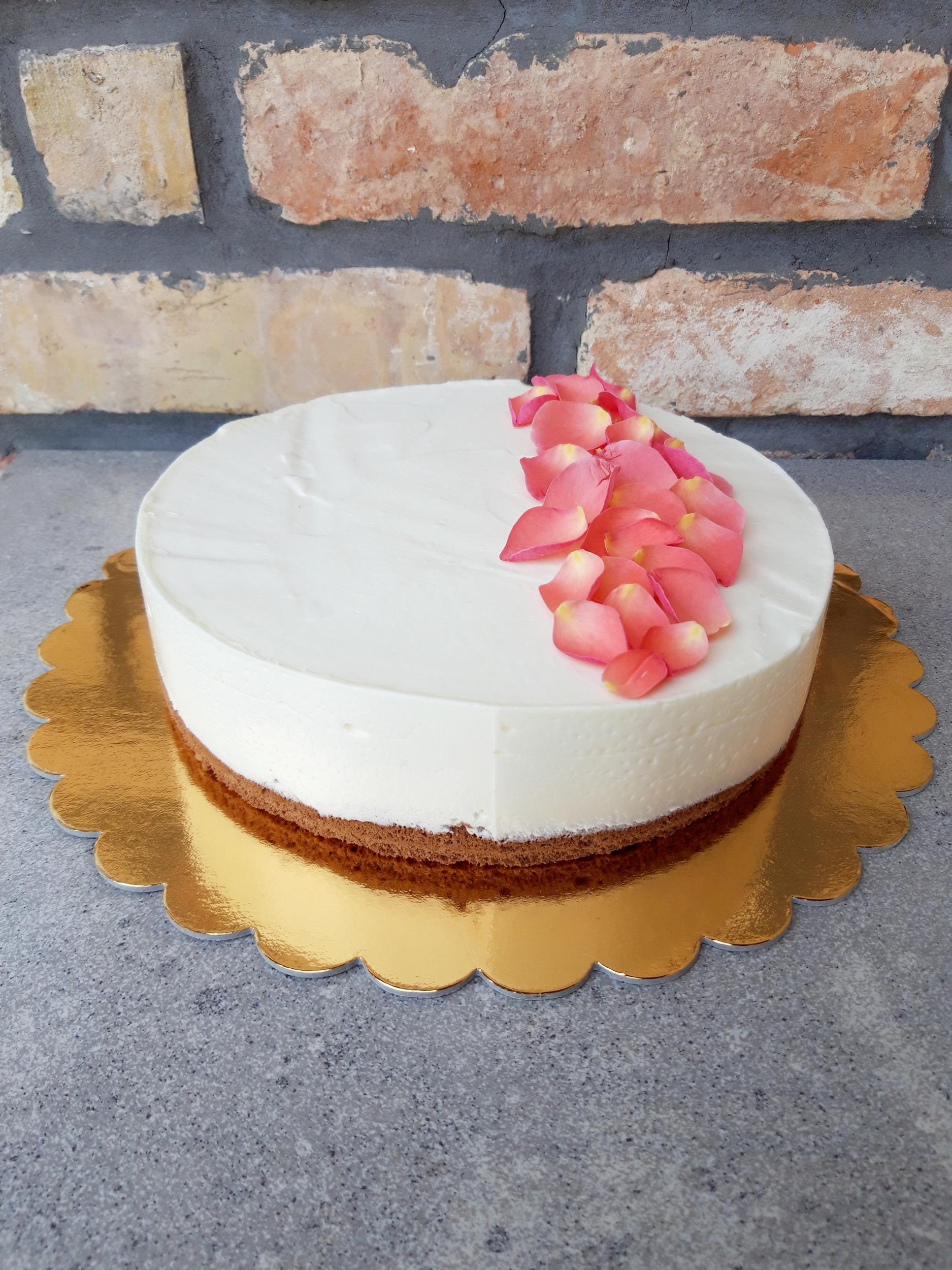 Fehércsoki mousse torta