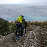 Enduro bringázás az olasz Riviérán
