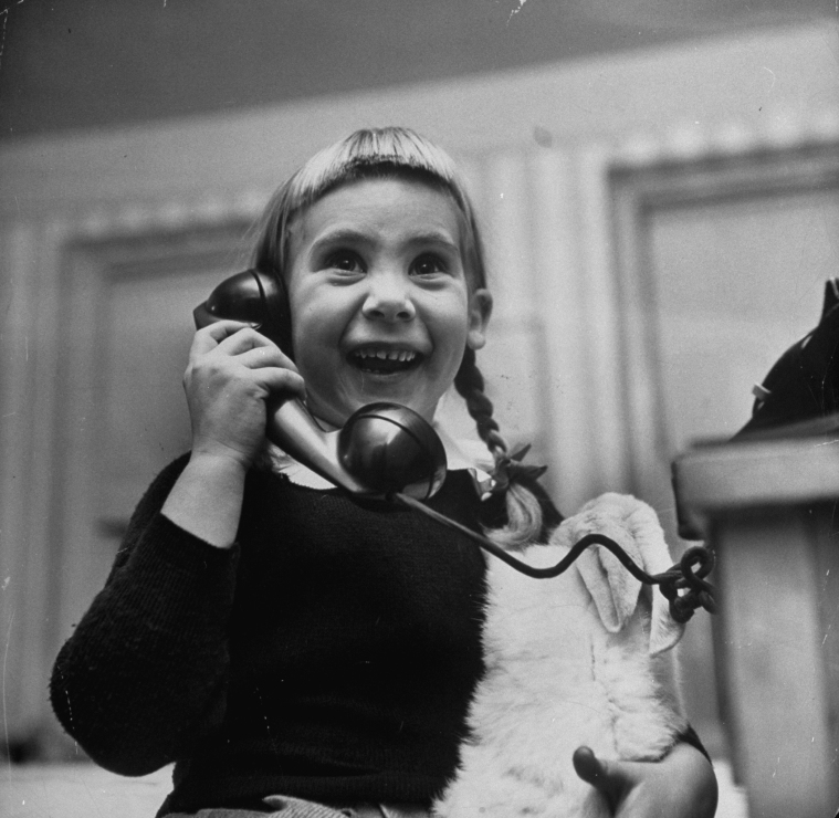 kids_on_the_phone_with_santa_1947_8.jpg