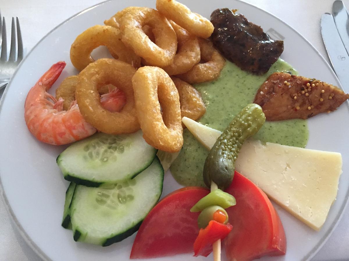 én tányérom tintahalkarikákkal - Feir szerint hagymakarikákkal :)
