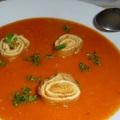 Lecsókrémleves omlettcsigával