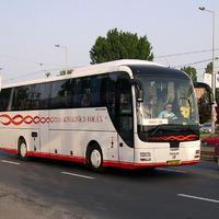 Lopakodó áremelés vonaton és buszon is - oda a 65 év felettiek ingyen utazása