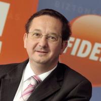 Újabb fideszes ex-államtitkár pakolt ki - Illés Zoltán, és ami mögötte van