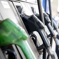 Felesleges adóemelés: az autósok lettek a kormány új célpontjai