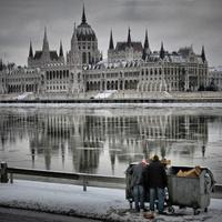 A Fidesz megoldása a szegénységre: amiről nem beszélünk, az nincs is