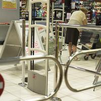 Vasárnapi boltbezárás: ezért fúrja meg a Fidesz a népszavazást