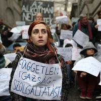 Feljelentés a Fidesz székház elfoglalása miatt - kétélű fegyver