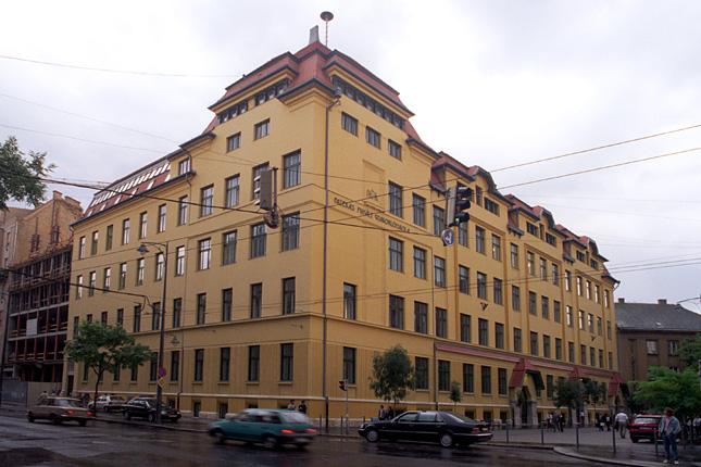 20121116-fazekas-mihaly-gimnazium3.jpg