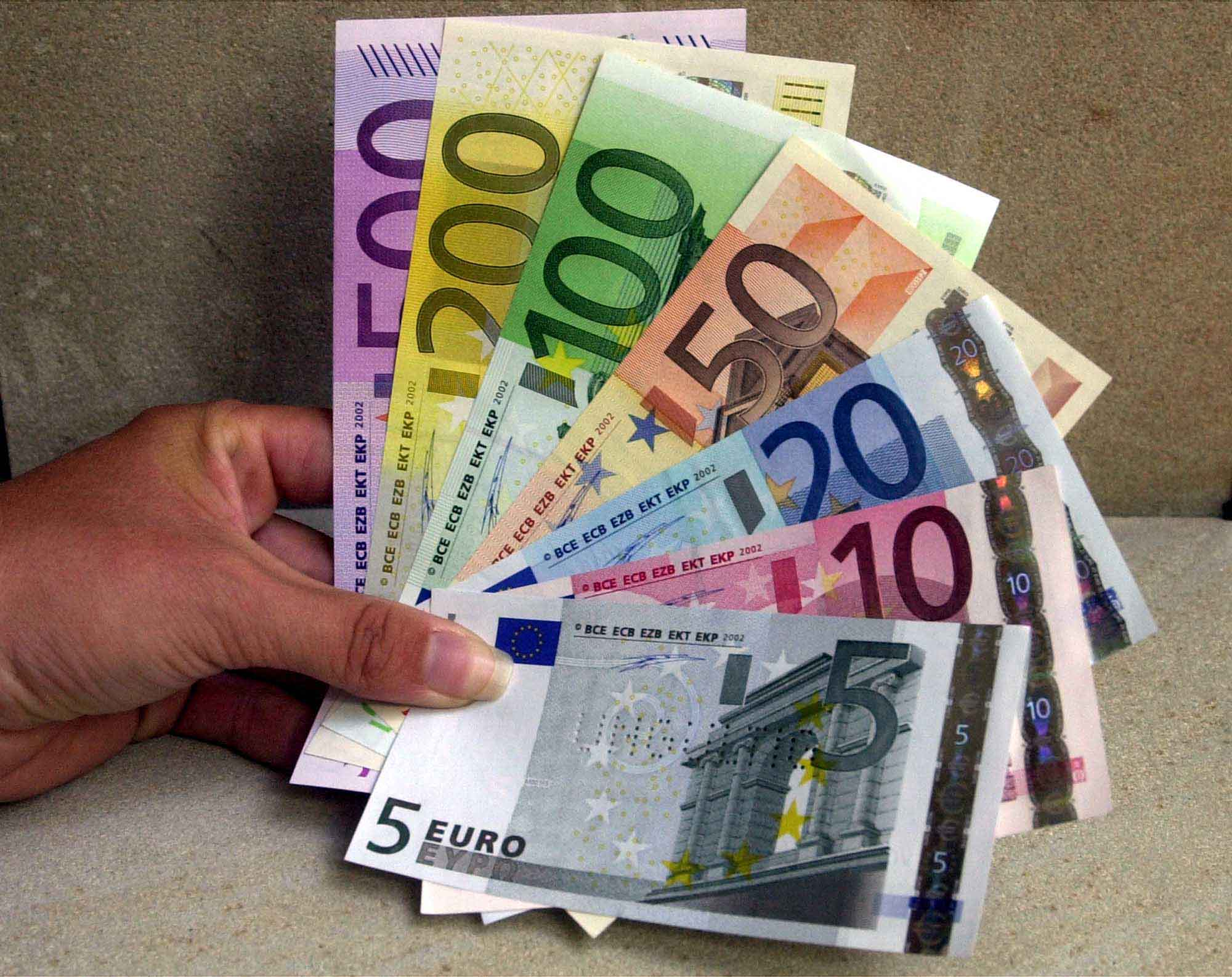 euro-notes.jpg