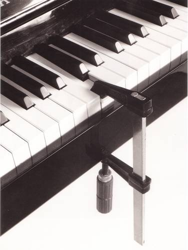 zongorasatu.jpg