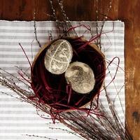 Húsvéti tojások nemezbundában