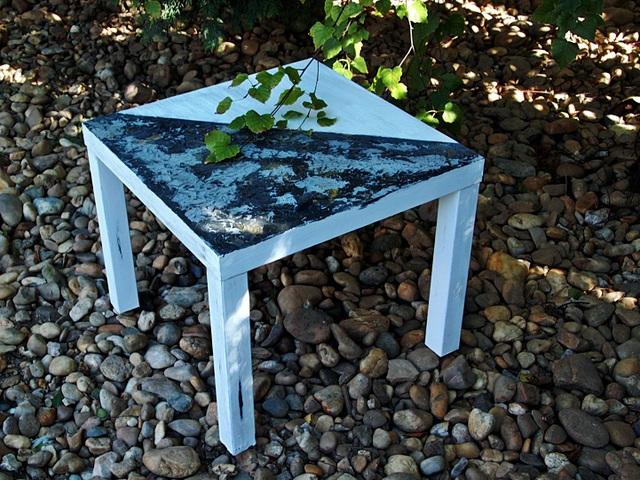 Kaméleon asztal