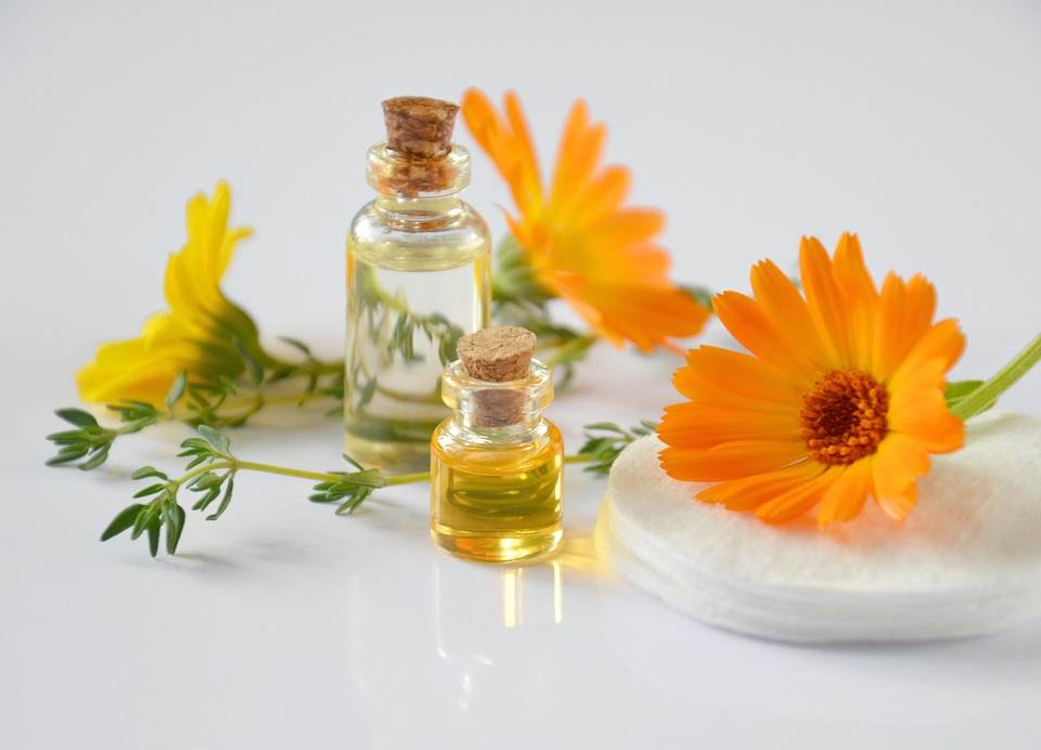 essential-oils-2738555_960_720.jpg