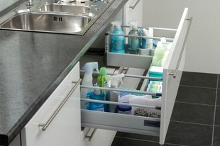 Praktikusan a mosogató alatt