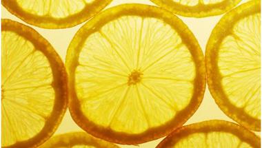 Engedélyezték a nagydózisú C-vitamin kezelést a rákgyógyításban!