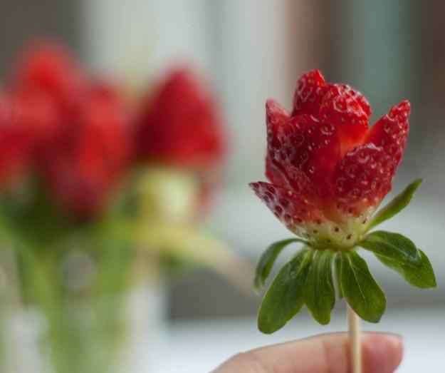 Anyáknapi rózsa eperből vagva6.jpg