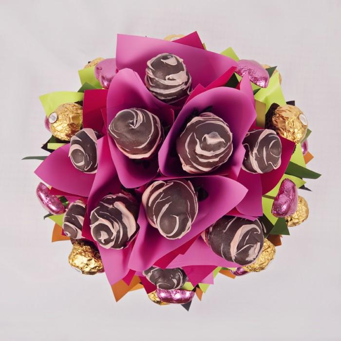 csokiba martott eper csokor 5.jpg