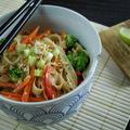 Thai zöldséges tészta