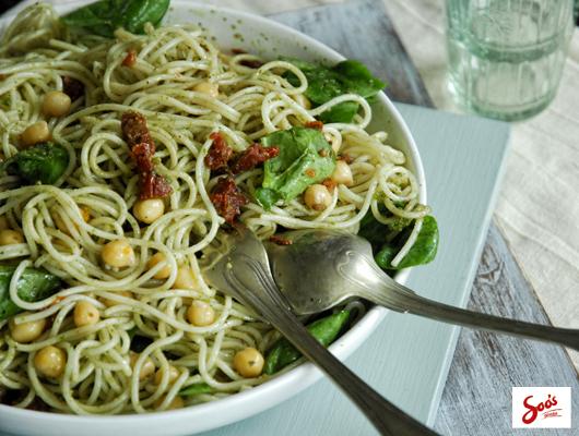 csicseri_pesto_spagetti.jpg