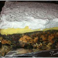 Újra receptes bejegyzés a blogomon. Mákos guba torta madártejes krémmel