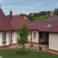 A modern tető